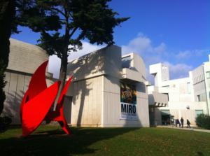 Devant Fondation Juan Miró